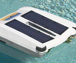 Robotic Solar Powered Pool Skimmer
