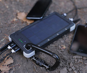 Rugged Solar Charger & Fla...