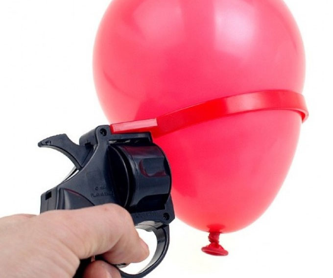 Russian Roulette Water Balloon - coolthings.us