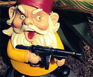 Garden Gnomes With Guns combat lawn gnomes