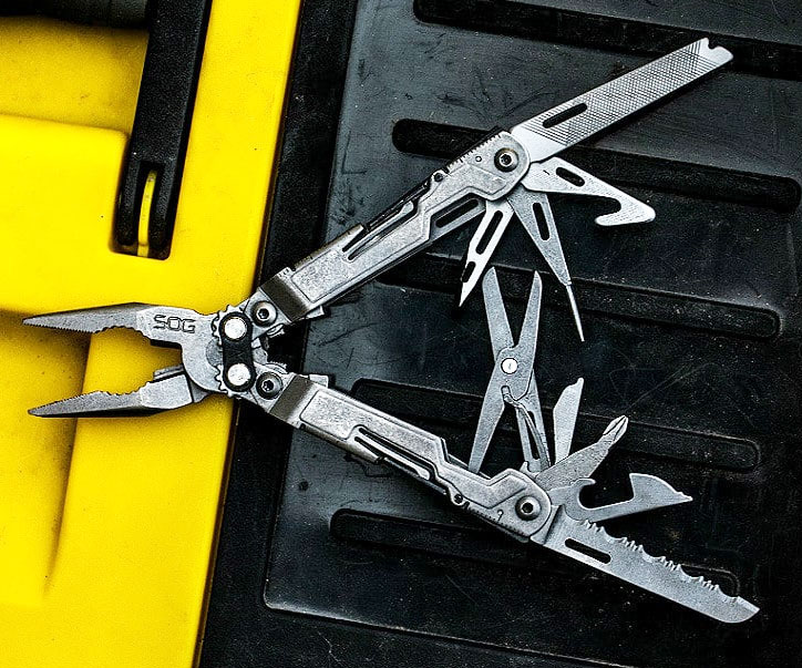 Multi-Tool Nose Pliers Pocket Knife - coolthings.us