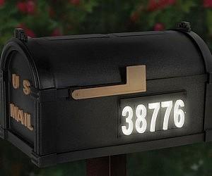 Solar Illuminated Mailbox
