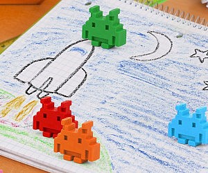 129a7fd22355 Space Invader Crayons