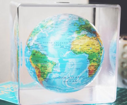 Solar powered spinning globe gumiabroncs Images