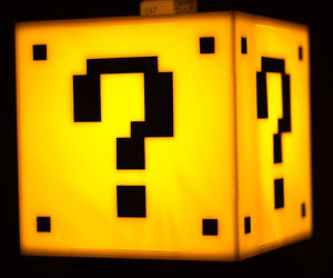 Super Mario Question Mark Block Lamp
