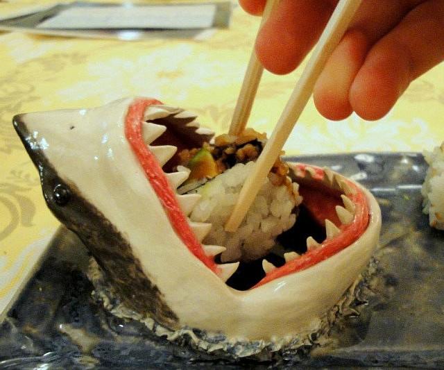 Shark Chips & Salsa Plate - Neatorama