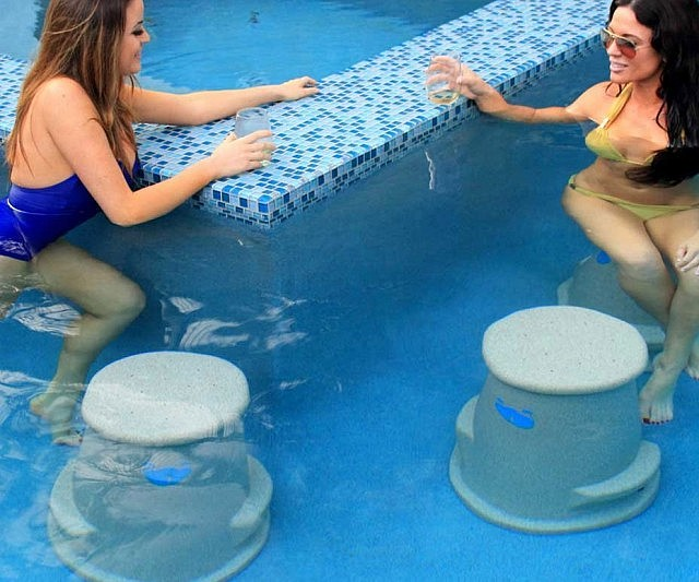 Floating Pool Bar With Chairs Chair Design Ideas