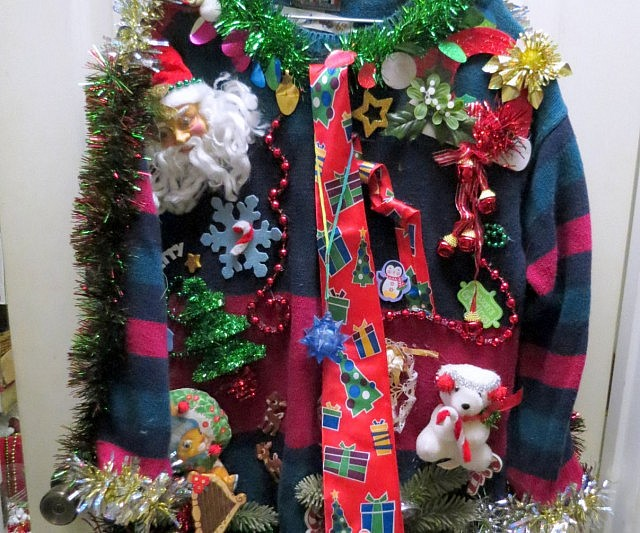 the ugly christmas sweater 5600 - Ugly Christmas Sweater Door Decoration Ideas