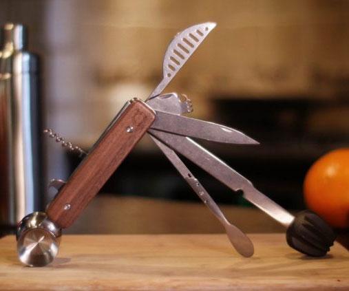 10-In-1 Vintage Oak Bar Tool