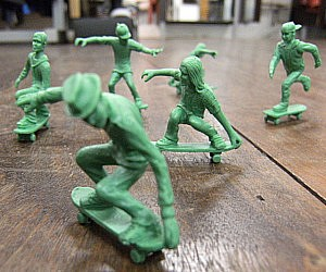 Plastic Army Men Skaters