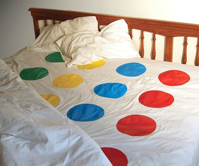 Simple Twister Bed Sheets