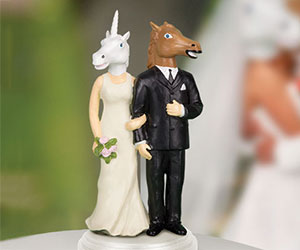 Cake topper wedding figurine giveaways