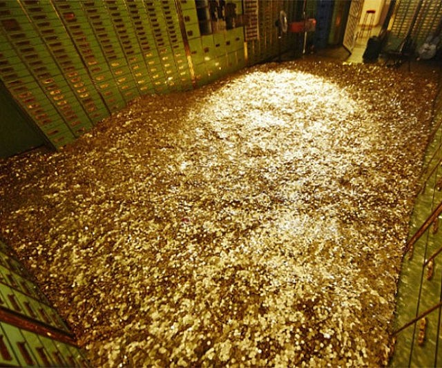 Swimming Pool Full Of Money : Bank vault of gold coins