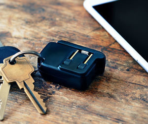 The Keychain Smartphone Ch...