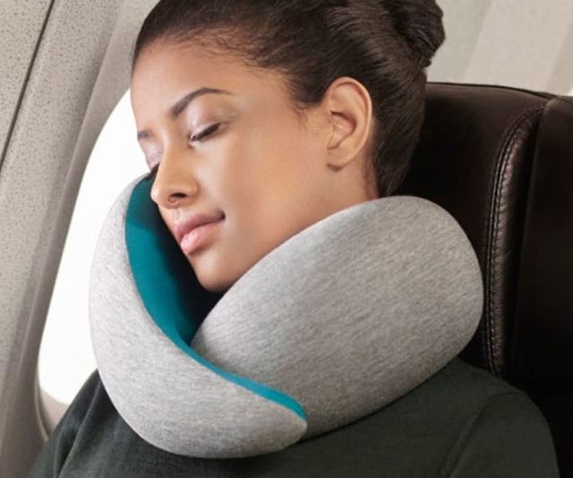 how to go to sleep on an airplane