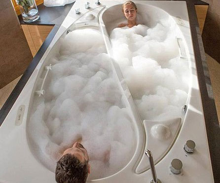 Yin Yang Couples Bathtub